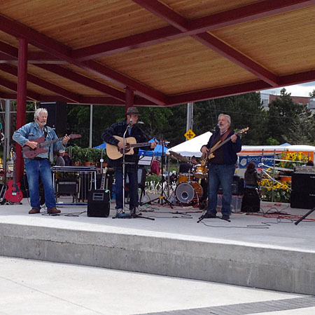 The Dustaleros at Newmarket Farmers Market